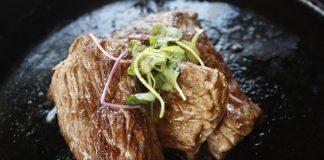 Kuchnia orientalna i jedzenie pałeczkami